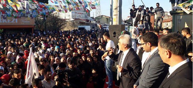 HDP Yukarı Hereke seçim bürosuna mitingli açılış