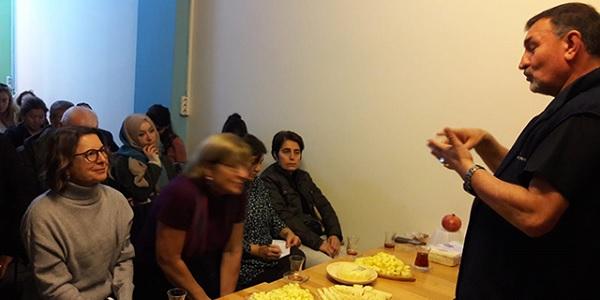 İlhan Koçulu Türkiye'de 300-400 çeşit peynir bulunuyor
