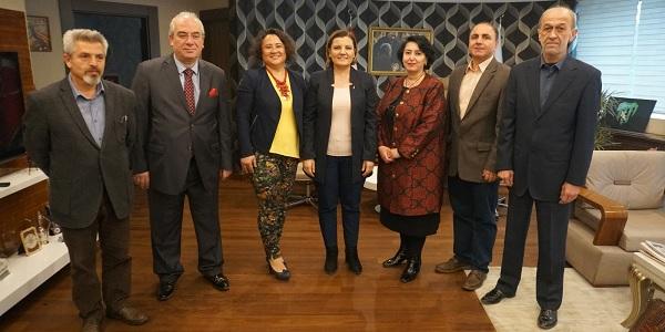 KOMECE yönetimi İzmit Belediye Başkanı Hürriyet'i ziyaret etti