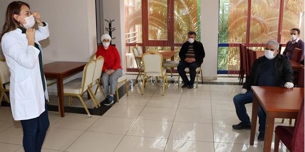 Photo of Kocaeli Büyükşehir'den Öğretmenevi çalışanlarına hijyen eğitimi