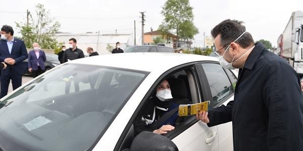 Vali Aksoy Trafik Haftasında Polis Kontrol Noktasında