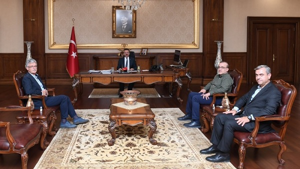 Photo of Ak Parti Kocaeli İl teşkilatı Vali Aksoy'a veda ziyaretinde bulundu