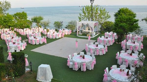 Photo of Bakanlıktan 81 valiliğe 'düğün' genelgesi