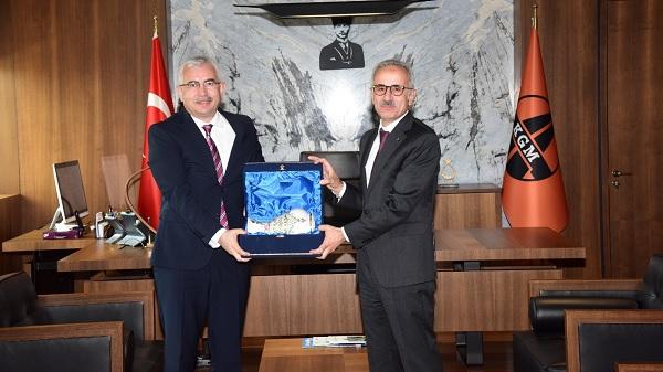 Photo of Balamir Gündoğdu'dan Karayolları Genel Müdürü Uraloğlu'na ziyaret