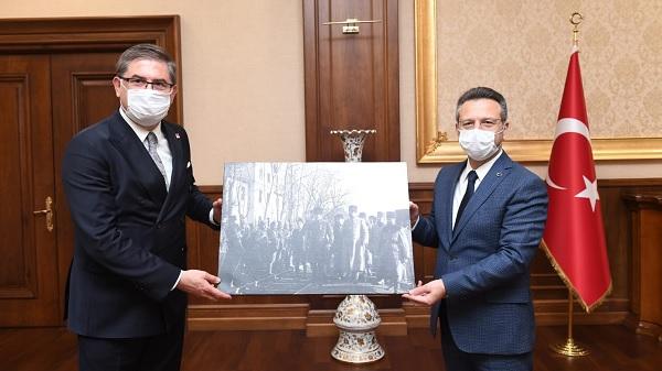 CHP Kocaeli İl yönetimi Vali Aksoy'a veda ziyaretinde bulundu