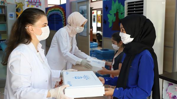 Öğrencilere Kocaeli Büyükşehir'den ücretsiz eğitim seti