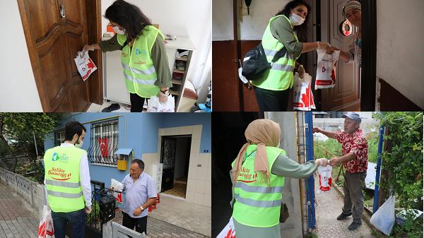 İzmit Belediyesi sağlık kiti için vatandaşın kapısını çaldı