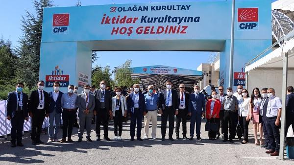 CHP Kocaeli kurultay delegeleri 37'nci Olağan Kurultay'da