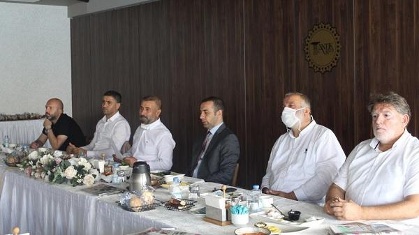 Kocaelisporu Sevenler Derneği Başkanı Celal Kavaz basınla buluştu