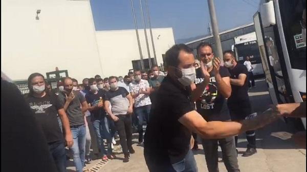 Photo of Türk Metal işyeri temsilcileri bildiri dağıtan EMEP'lilere saldırdı