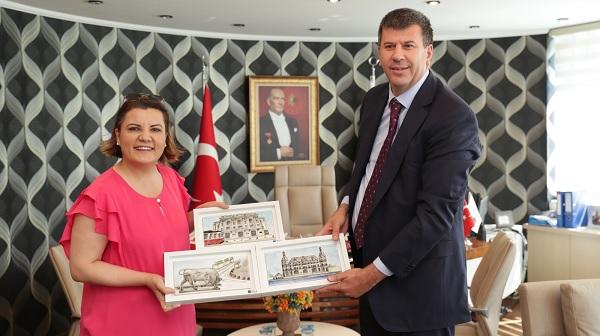 Photo of Kadıköy Belediye Başkanı Odabaşı Başkan Hürriyet'e konuk oldu