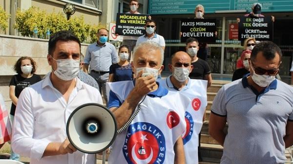 """Photo of Çeker: """"Sağlık çalışanları alkış ve vaat değil çözüm istiyor"""""""