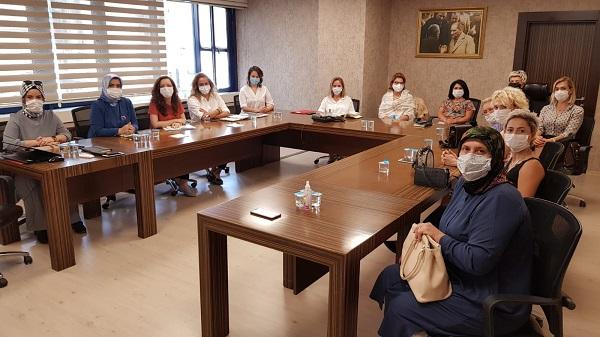 Photo of Çınar Kadın Kooperatifi ve KAGİDER'e destek İzmit Belediyesinden