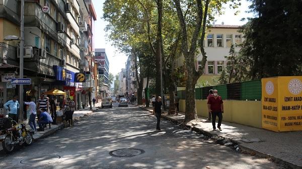Photo of İzmit Alemdar Caddesi araç trafiğine açıldı