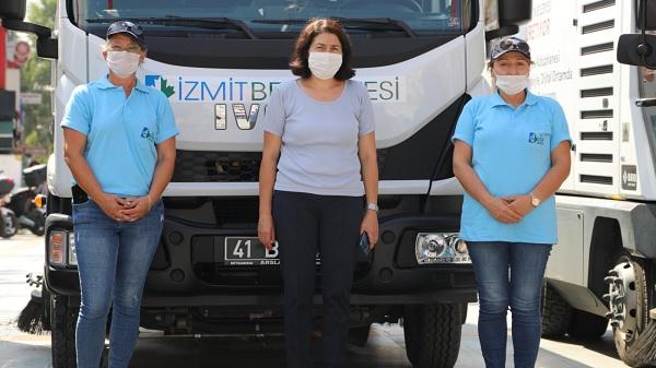 Photo of Kadın Şoförler İzmit cadde ve sokaklarında direksiyon sallıyor
