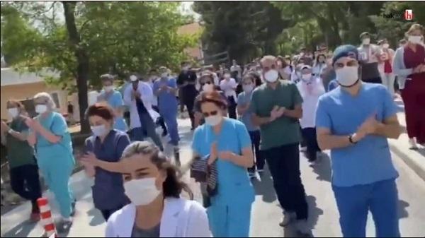 Photo of Sağlıkçılar hasta yakınları şiddetine karşı yürüdüler