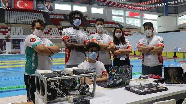 """Photo of TEKNOFEST'te Kılavuz öğrenciler """"insansız su altı aracı""""yla yarıştı"""