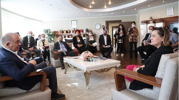 Photo of CHP Milletvekili Gürsel Tekin Başkan Hürriyet'i ziyaret etti