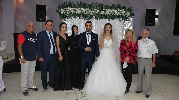 Photo of Fahri Kuş Turizmci yeğeni Ensar Kuş'u evlendirdi