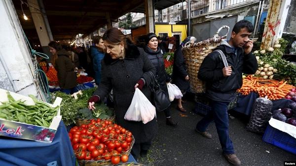 Hanke, Türkiye'de gerçek enflasyon yüzde 37.87