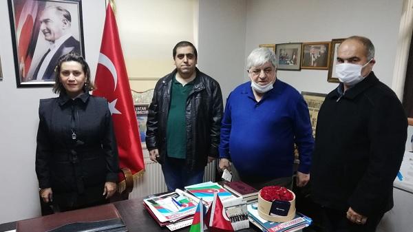Azerin program öncesi Azerbaycan Kültür Evini ziyaret etti