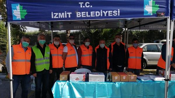 İzmit Belediyesinin ikinci yardım ekibi İzmir'e ulaştı