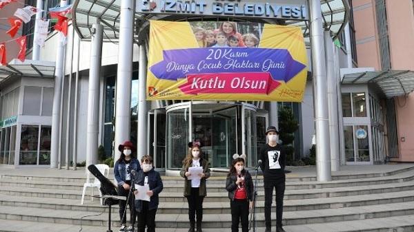 İzmitli Çocuklar haklarını İzmit Belediyesi'yle duyurdu
