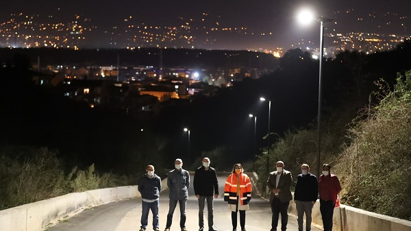 """Photo of Başkan Hürriyet: """"İzmit'te güneş artık gece de aydınlatıyor"""""""