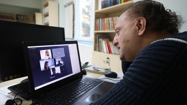 Photo of Kılavuz Gençlik Projesinde 8 bin öğrenci online eğitim alıyor