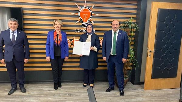Gülay Artut AK Parti Dilovası Kadın Kolları Başkanı