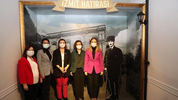 Photo of Kadın Başkanlar Atatürk Müzesi'ne hayran kaldı