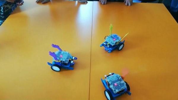 Photo of Minikleri eğlendiren bu robotlar 'Erik Dalı' oynuyor