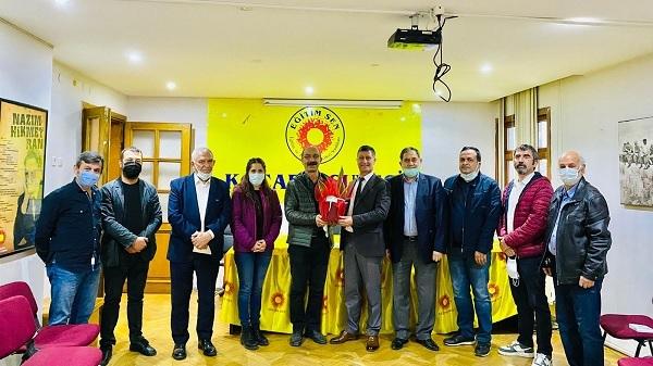 İzmit Belediyesi üst yönetiminden Eğitim Sen'e ziyaret