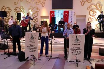 19 Mayıs Atatürk'ü Anma, Gençlik ve Spor Bayramı kapsamındaki konserde vokalde Doğan Aktaş, Orhan Meriç, Tahsin Keskin, Nurgül Gezer ve Deniz Mazifer yer aldı