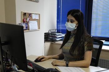 İzmit Belediyesi Diyetisyeni Gizem Aydın, İzmitliler'in formda kalmaları için online terapilerle tavsiyelerde bulunuyor.
