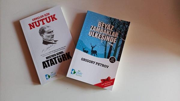 İzmit Belediyesinden çocuklara 'Nutuk' kitabı hediye