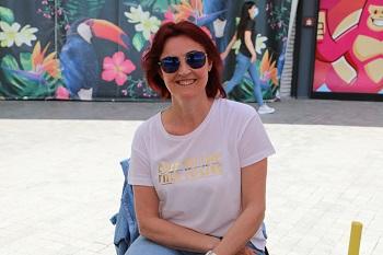 Kadın üretici Fehime Akar, kendilerine destek veren İzmit Belediye Başkanı Av. Fatma Kaplan Hürriyet'e teşekkür etti