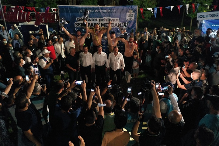 Sekapark Ermeydanı'nın başpehlivanı Ali Gürbüz