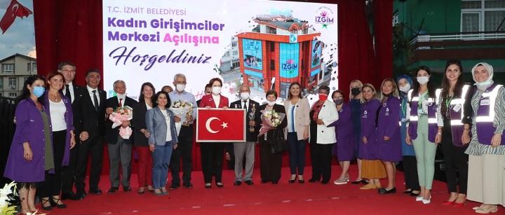 Akşener ve Hürriyet'in açılışını yaptığı İZGİM'in Gişimci kadınları