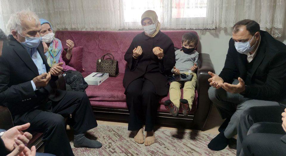 Photo of Sakarya'da iki şehit ailesine ziyaret