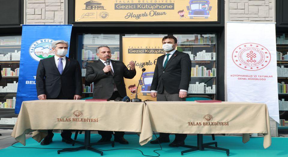Photo of Kayseri Talas'ta gezici kütüphane için araç tahsisi