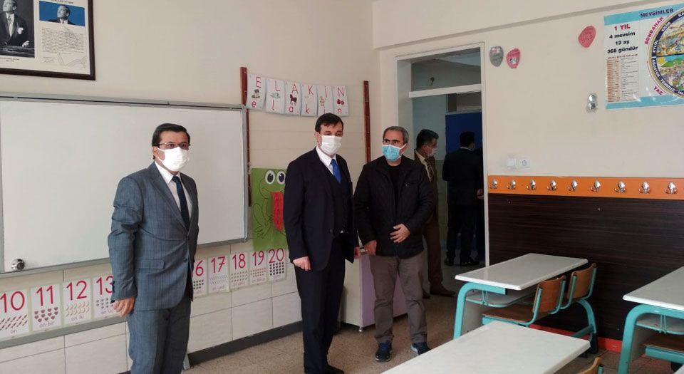 Photo of Hazırlıklar tamam… Okullarda yüz yüze eğitim 2 Mart'a ertelendi
