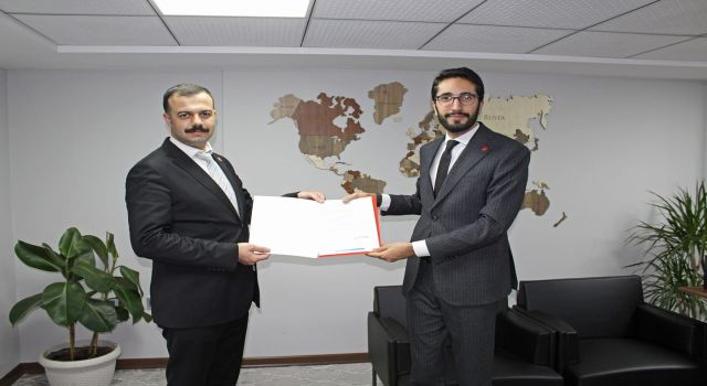 Photo of Genç Saadet Bursa'ya avukat başkan