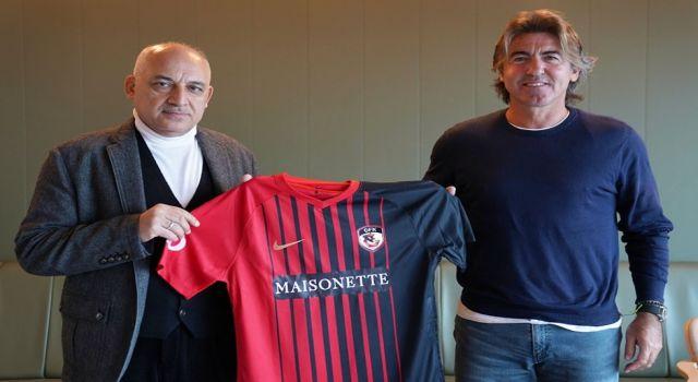Photo of Gaziantep FK, teknik direktör Ricardo Sa Pinto ile anlaştı