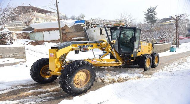Photo of Kahramanmaraş'da kar temizleme ekibi işbaşında