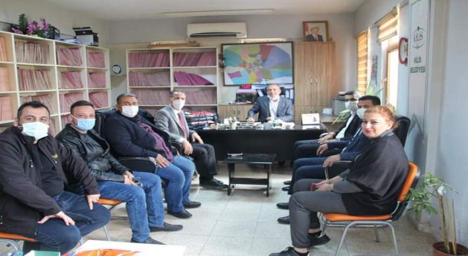 Photo of Kilis AK Parti'den Gıda Bankası'na ziyaret
